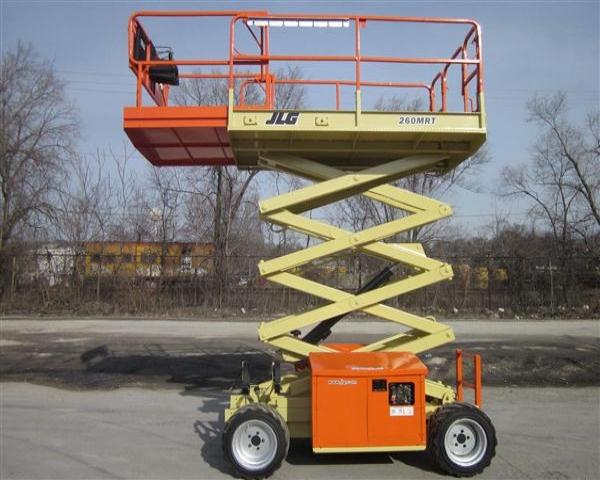 Diesel-Scissor-Lift-JLG-260MRT